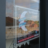 domino's window displays